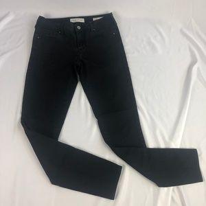 Bullhead Black Mid Rise Skinniest Jeans